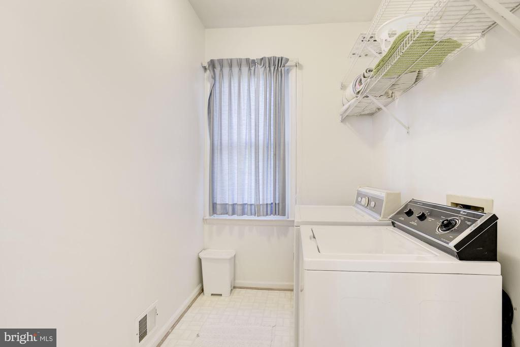 Laundry Room - 47202 REDBARK PL, STERLING