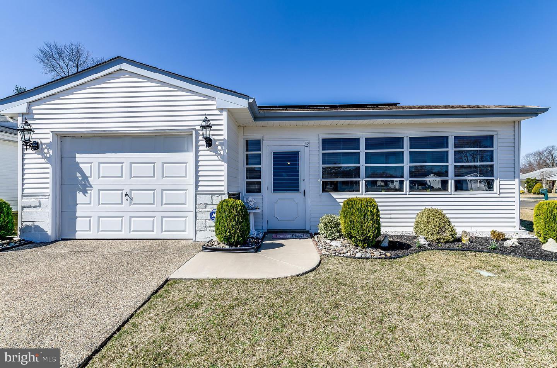 Частный односемейный дом для того Продажа на 2 CHESHIRE Court Southampton, Нью-Джерси 08088 Соединенные Штаты
