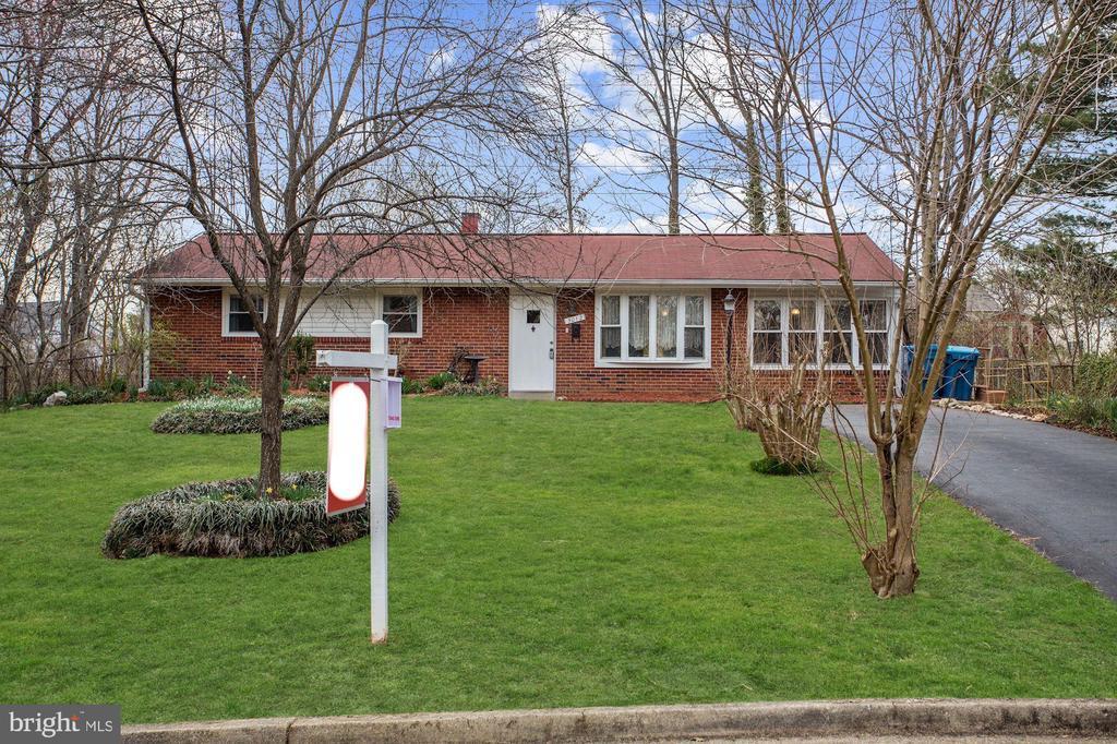 Franconia Homes for Sale -  Cul De Sac,  5012  TREETOP LANE