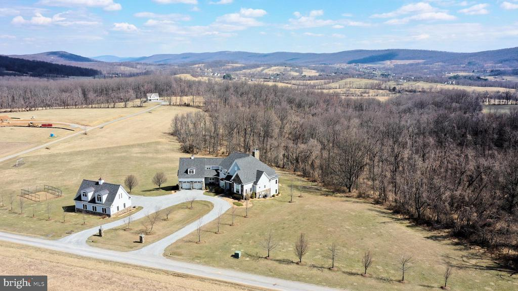 Welcome Home to gorgeous views! - 14720 SUMMIT VIEW, PURCELLVILLE