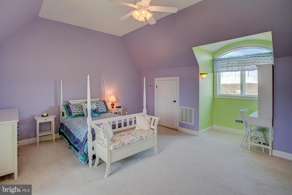 Upper level bedroom has gorgeous views! - 14720 SUMMIT VIEW, PURCELLVILLE