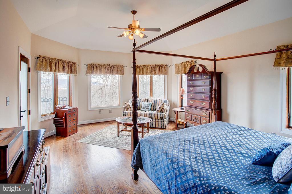 Main floor master bedroom - 14720 SUMMIT VIEW, PURCELLVILLE