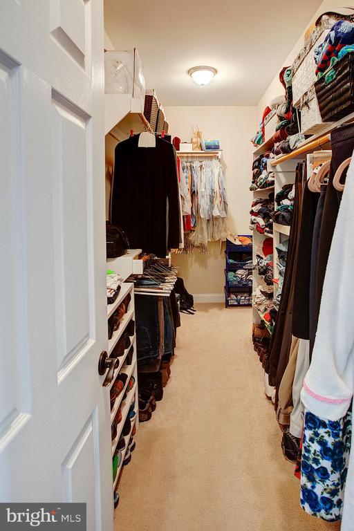 Master closet - 14720 SUMMIT VIEW, PURCELLVILLE