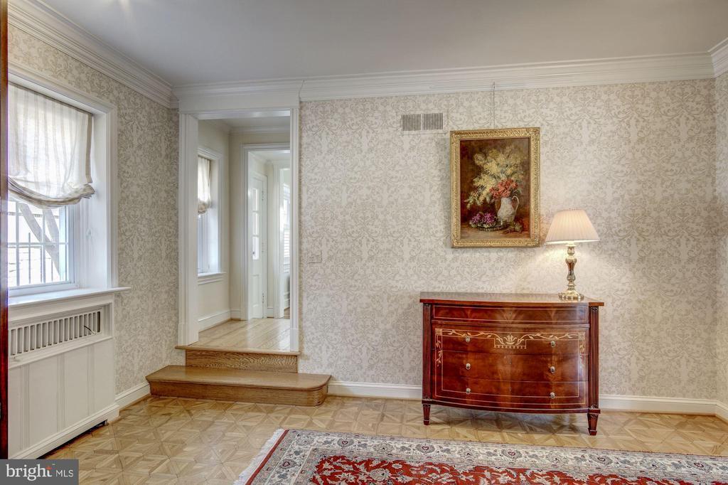 Foyer - 2825 MCGILL TER NW, WASHINGTON