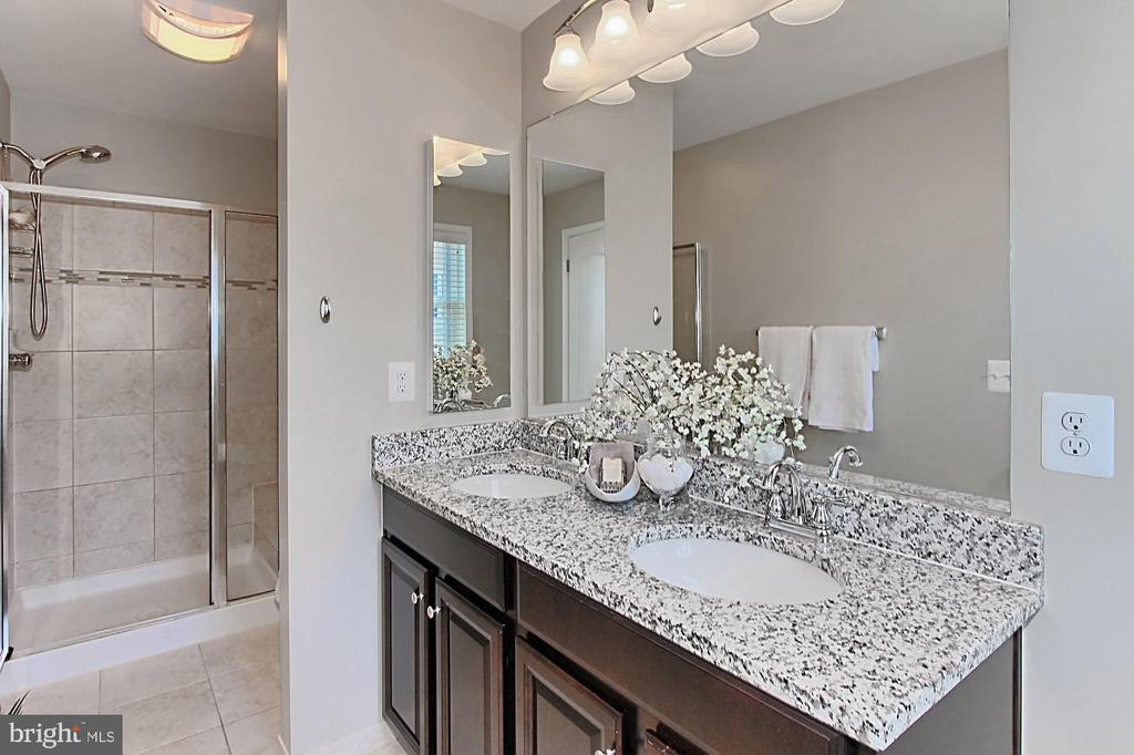 Pamper Yourself in this Luxury Bathroom - 22638 TWITTER SQ, ASHBURN