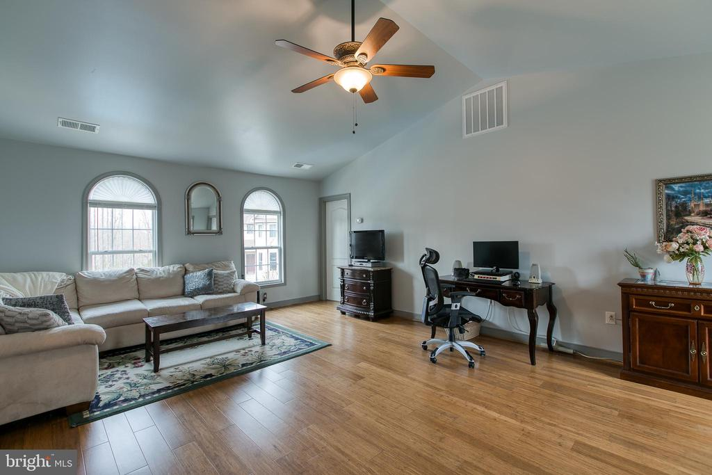Extra relaxing space for you and your company - 40 KNOTSANCHOR LN, FREDERICKSBURG