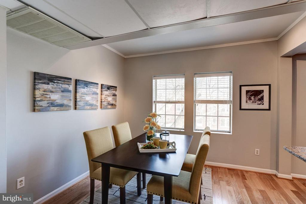Dining Room w/ Hardwood Floors & Loads of Windows! - 1735 N TROY ST #8-415, ARLINGTON