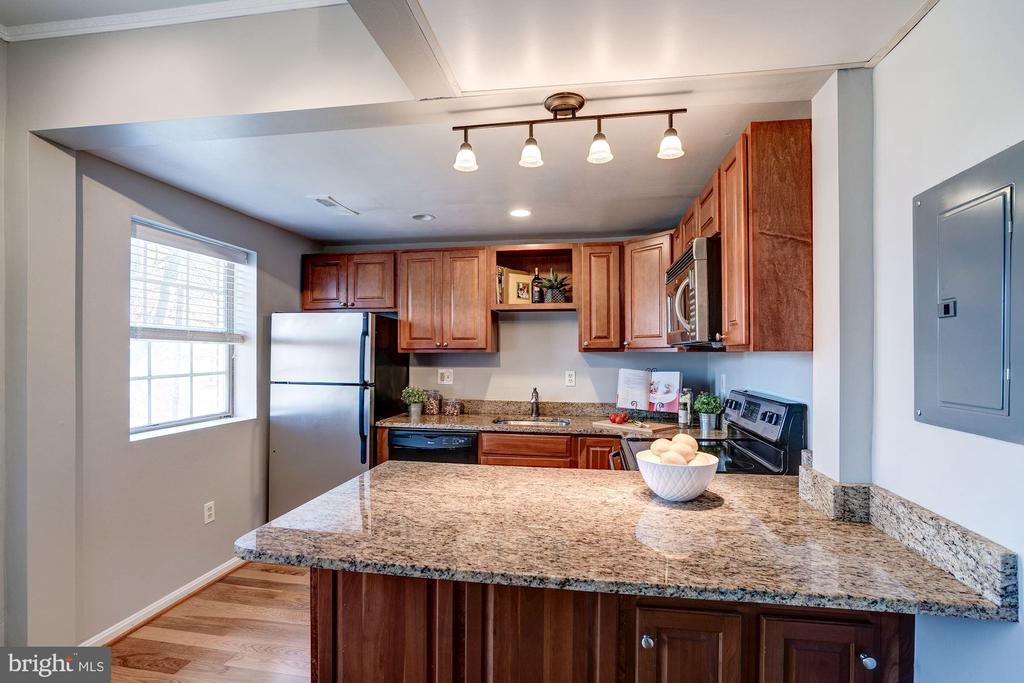 Former Galley Kitchen Opened Up & Renovated! - 1735 N TROY ST #8-415, ARLINGTON