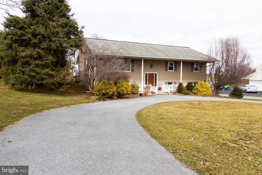 216  ANDREA DRIVE, Manheim Township in LANCASTER County, PA 17543 Home for Sale