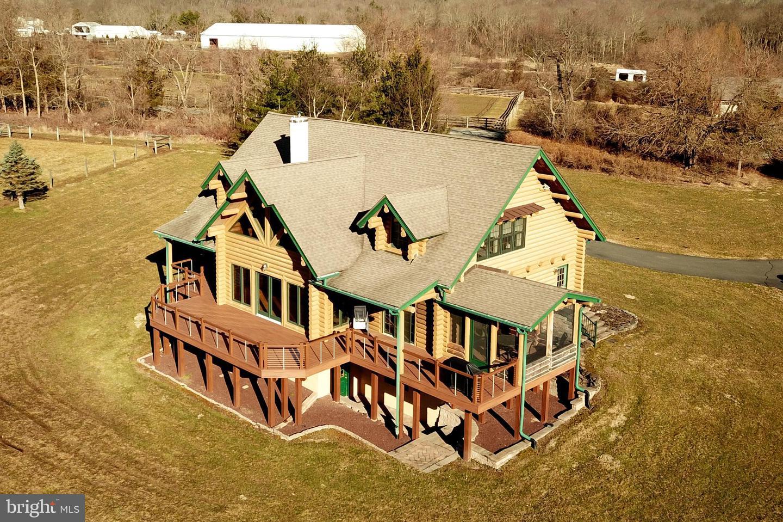 Casa Unifamiliar por un Venta en 38 WOODENS Lane Lambertville, Nueva Jersey 08530 Estados UnidosEn/Alrededor: West Amwell Township