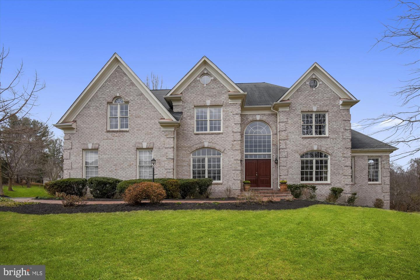 860 FORESTVILLE MEADOWS DRIVE, GREAT FALLS, Virginia