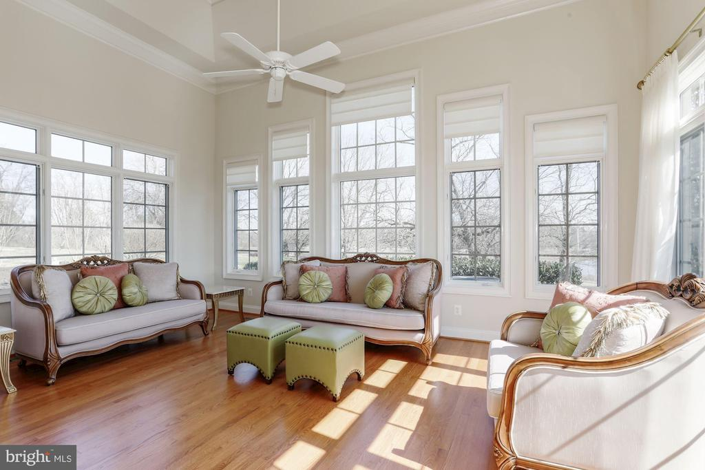 Light Filled Conservatory with Water Views - 40471 GRENATA PRESERVE PL, LEESBURG