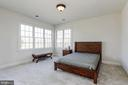Guest Bedroom with Full BR and Walk In Closet - 40471 GRENATA PRESERVE PL, LEESBURG