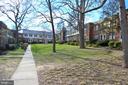 Green and quiet neighborhood - 1400 S BARTON ST #417, ARLINGTON