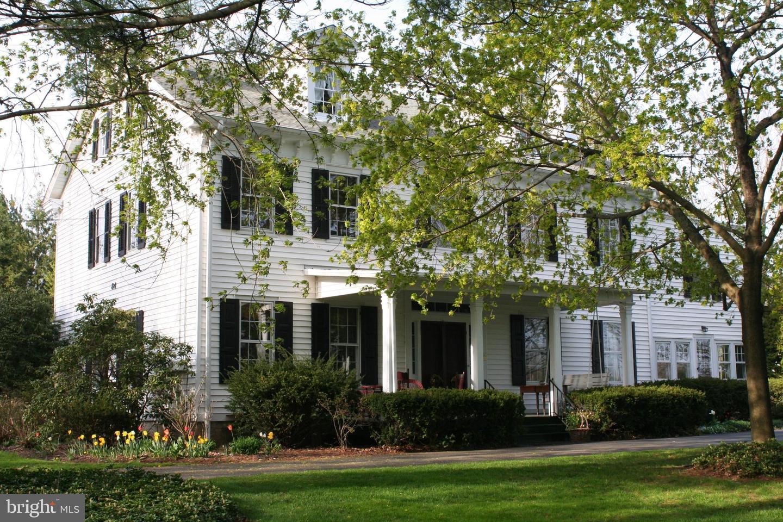 Villa per Vendita alle ore 84 WALNFORD Road Allentown, New Jersey 08501 Stati UnitiIn/In giro: Upper Freehold Township