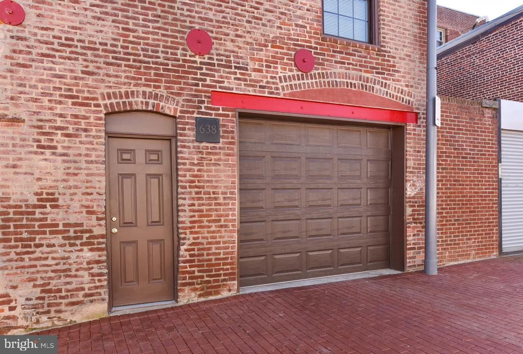 Garage Doors to Oversize Carriage House - 638 E CAPITOL ST NE, WASHINGTON