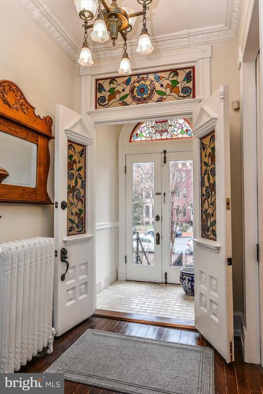 Vestibule and Foyer with Southern Exposure - 638 E CAPITOL ST NE, WASHINGTON