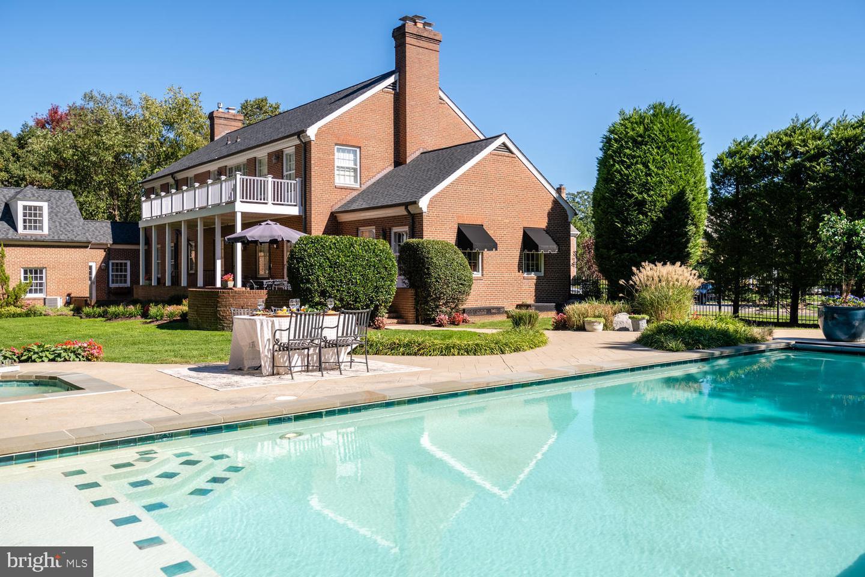Single Family for Sale at 4004 Carson Pl Alexandria, Virginia 22304 United States