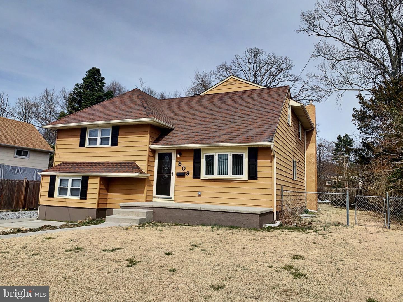 Maison unifamiliale pour l Vente à 509 SPRUCE Avenue Pitman, New Jersey 08071 États-Unis