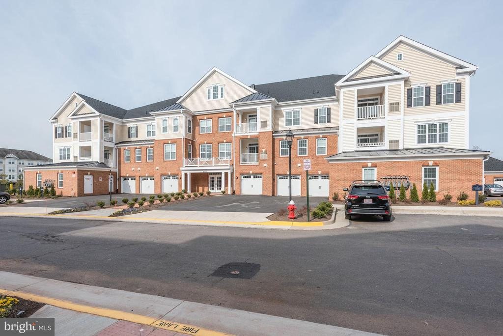 21025  ROCKY KNOLL SQUARE  203, Ashburn, Virginia