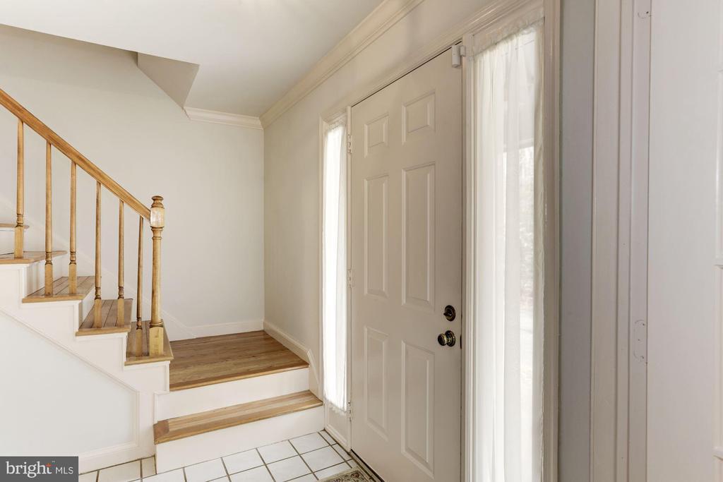 Entrance Foyer - 10279 GREYSTONE RD, MANASSAS