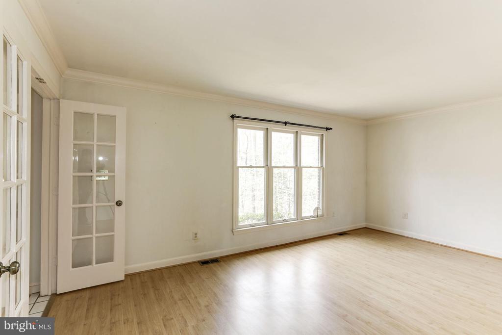 Living Room - 10279 GREYSTONE RD, MANASSAS