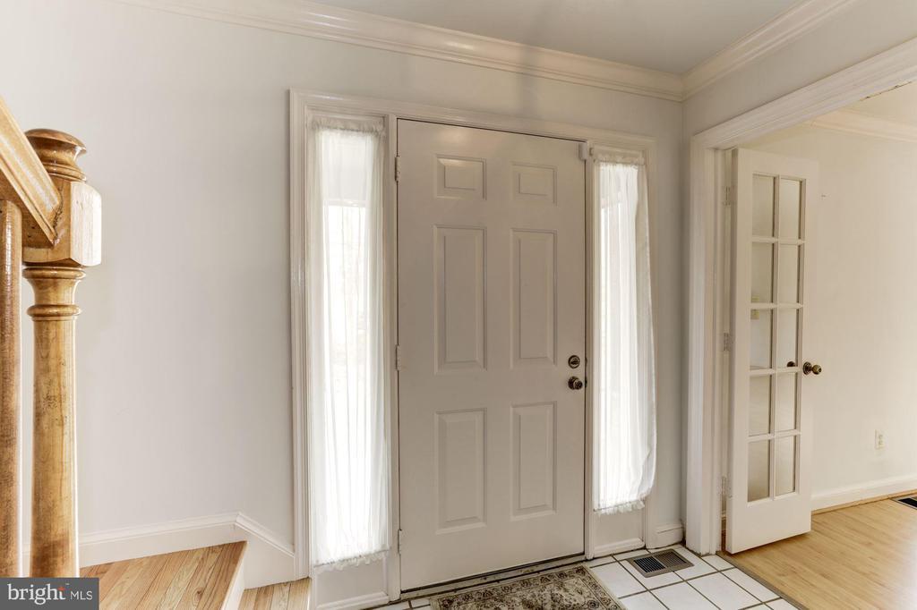 Foyer to Living Room - 10279 GREYSTONE RD, MANASSAS
