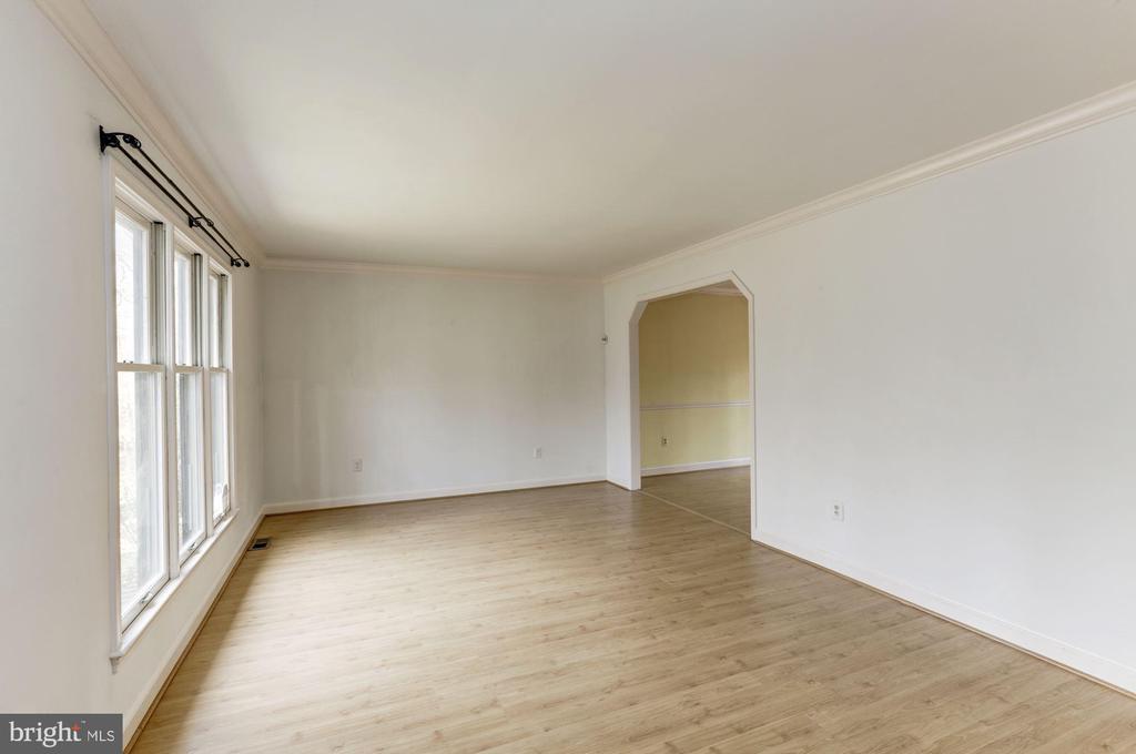 Living Room to Dining Room - 10279 GREYSTONE RD, MANASSAS