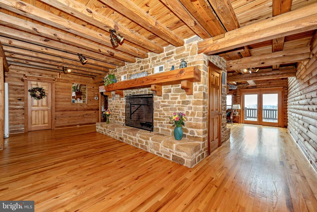 GORGEOUS stone fireplace off kitchen - 2315 MICHAEL RD, MYERSVILLE