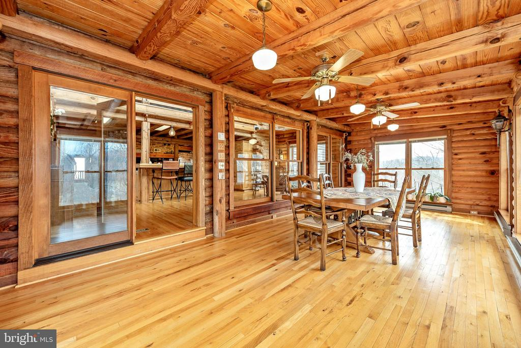 Sunroom being used for dining has endless options - 2315 MICHAEL RD, MYERSVILLE