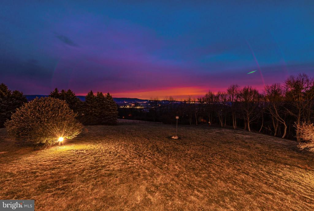 Enjoy amazing sunsets - 2315 MICHAEL RD, MYERSVILLE