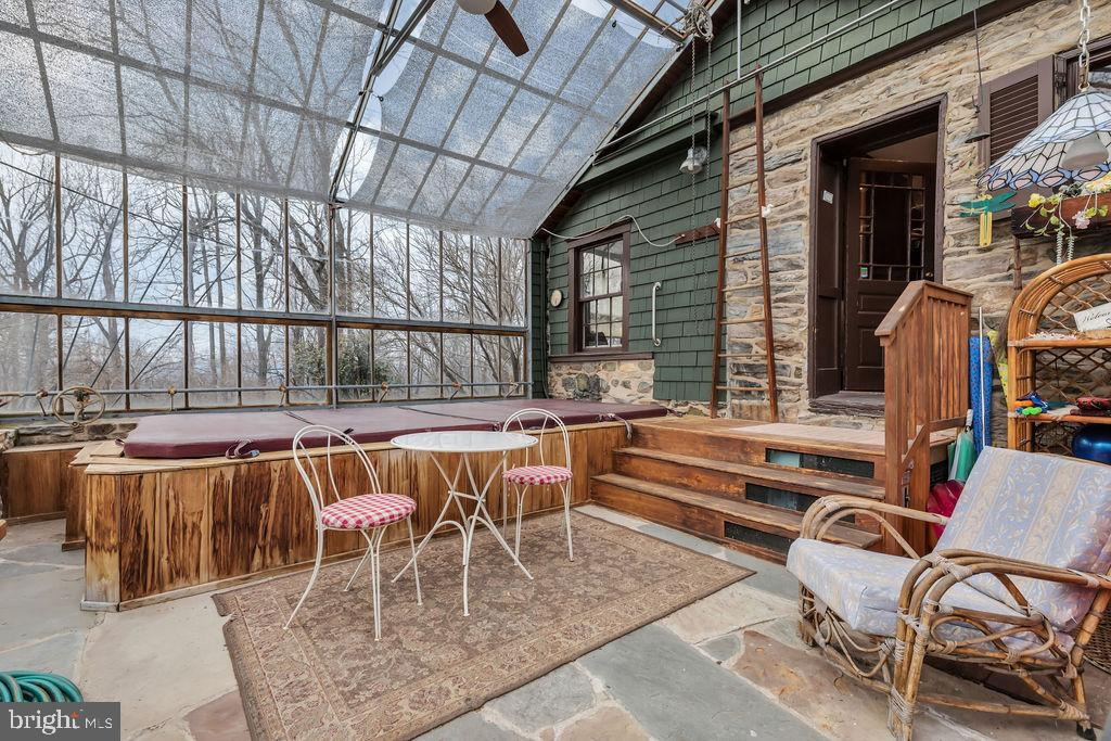 Inside the greenhouse - 13410 GOODHART LN, LEESBURG