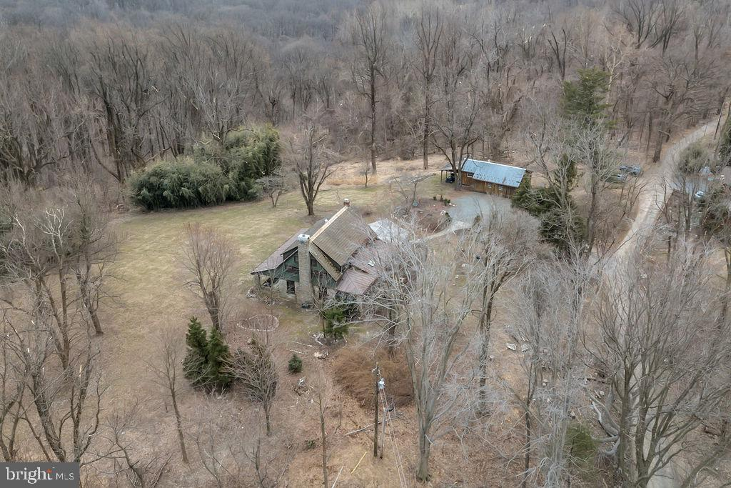 Nestled on top of 5 majestic wooded acres - 13410 GOODHART LN, LEESBURG