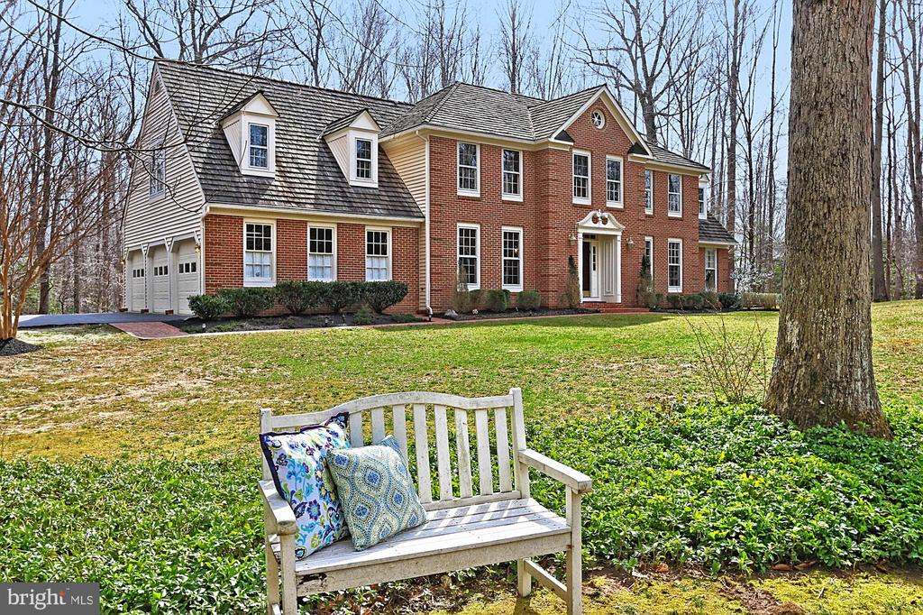 Tranquil surroundings. - 10625 TIMBERIDGE RD, FAIRFAX STATION