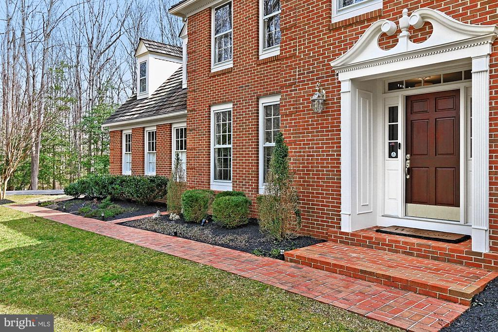 Tailored front entrance. - 10625 TIMBERIDGE RD, FAIRFAX STATION
