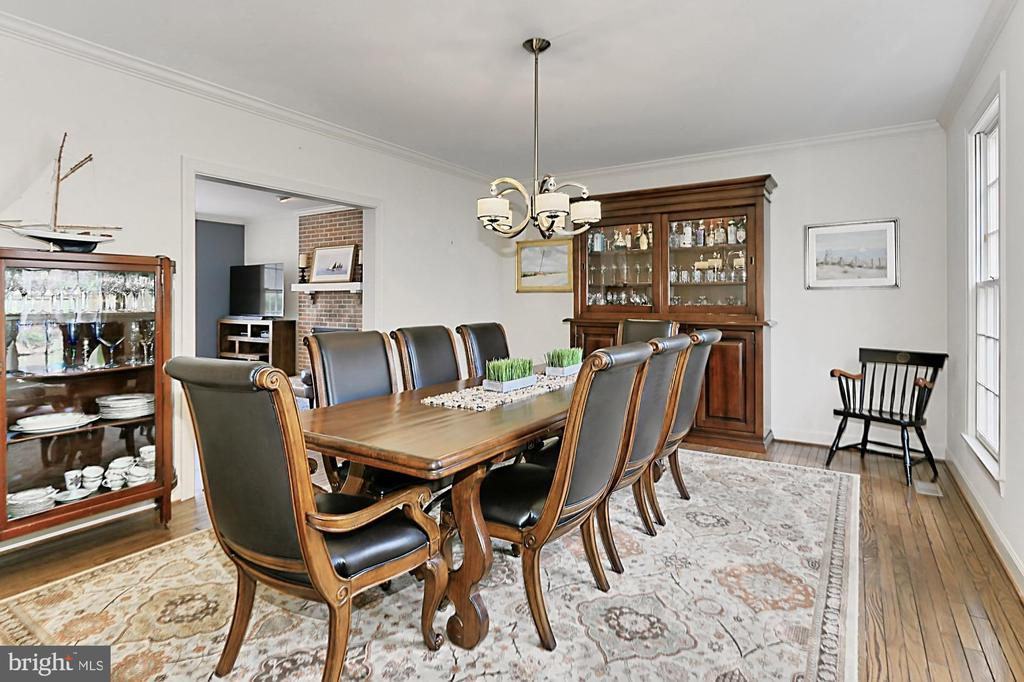 Large dining room! - 10625 TIMBERIDGE RD, FAIRFAX STATION