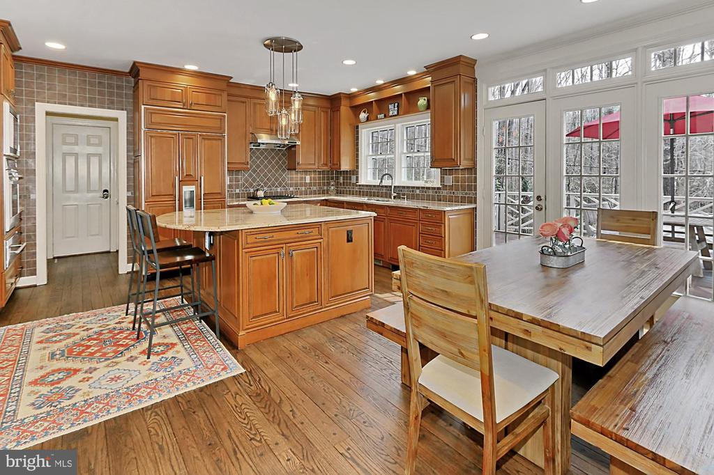 High end kitchen! - 10625 TIMBERIDGE RD, FAIRFAX STATION