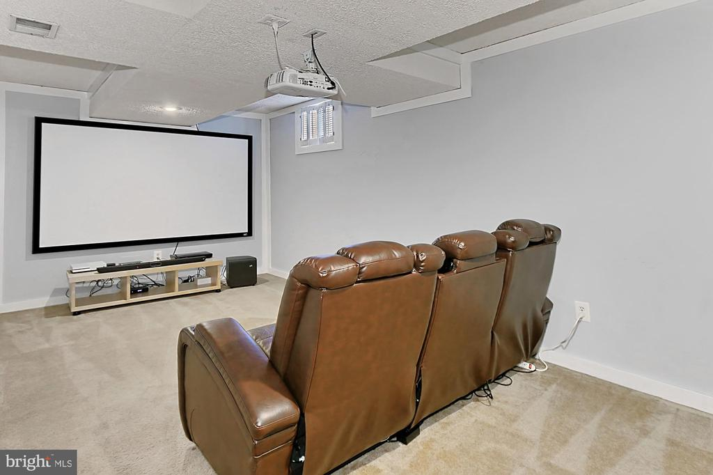 Media/theatre room. - 10625 TIMBERIDGE RD, FAIRFAX STATION