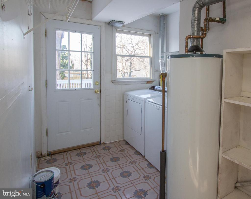 Laundry Utility room with access outside - 266 MOSEBY DR, MANASSAS PARK