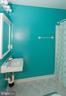 Master bathroom - 266 MOSEBY DR, MANASSAS PARK
