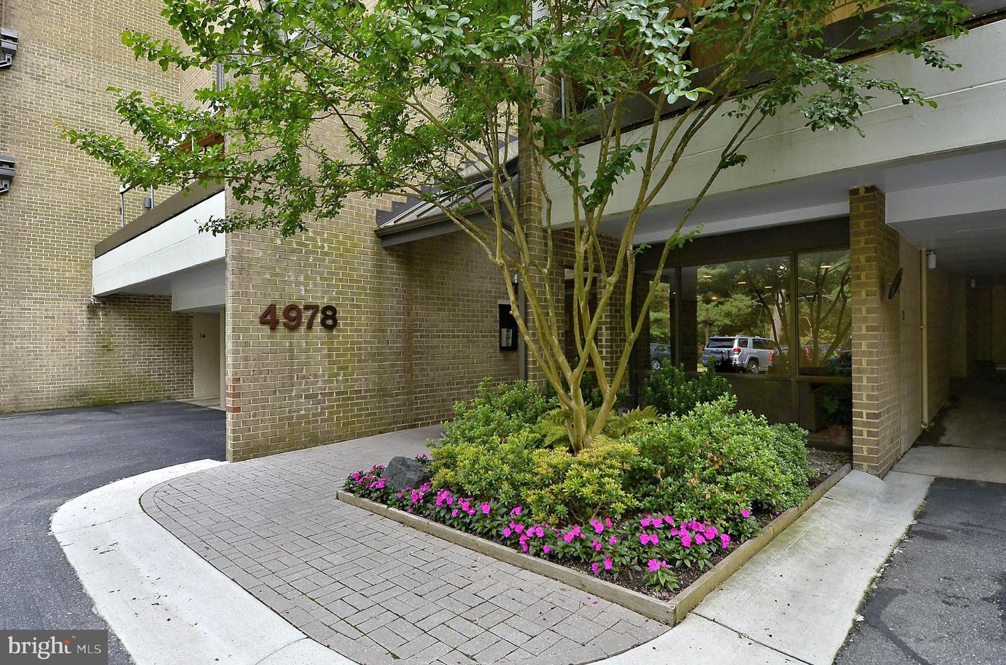 Single Family for Sale at 4978 Sentinel Dr #12-401 Bethesda, Maryland 20816 United States