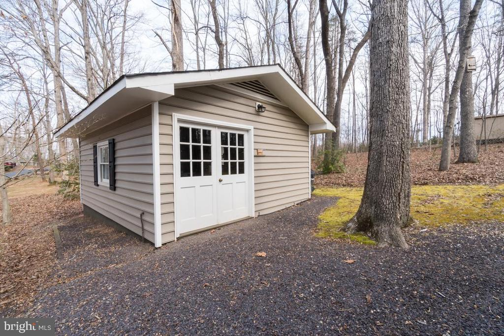 Shed-Workshop-heated man cave - 200 HAPPY CREEK RD, LOCUST GROVE
