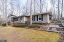 Front yard garden retreats & walkways - 200 HAPPY CREEK RD, LOCUST GROVE