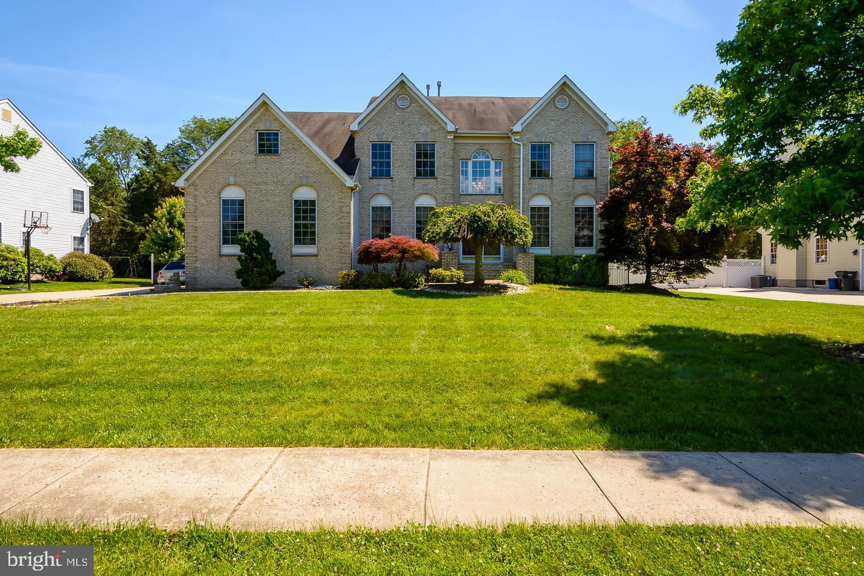 Частный односемейный дом для того Продажа на 37 MARGARET Somerset, Нью-Джерси 08873 Соединенные ШтатыВ/Около: Franklin Township