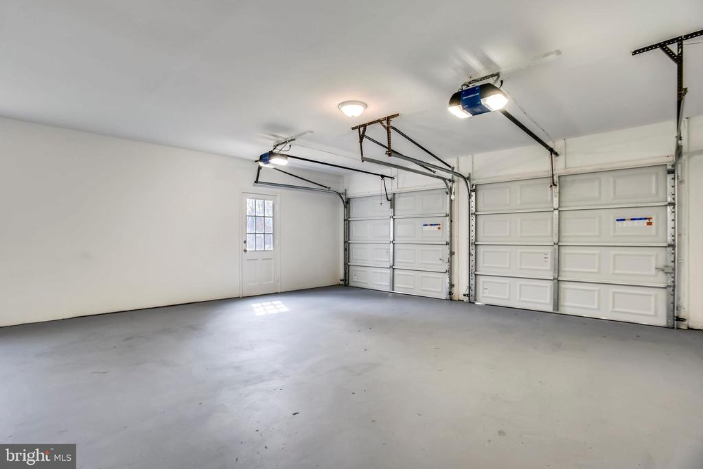 Garage - 8324 OLD DOMINION DR, MCLEAN