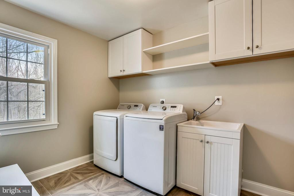 Main level laundry - 8324 OLD DOMINION DR, MCLEAN