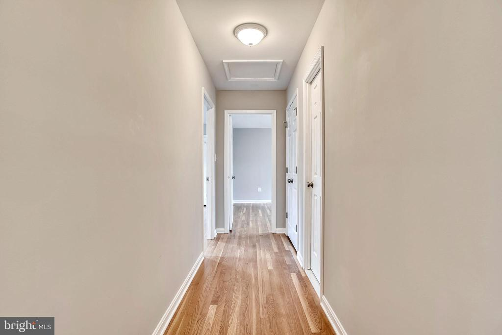 Upper level hall - 8324 OLD DOMINION DR, MCLEAN
