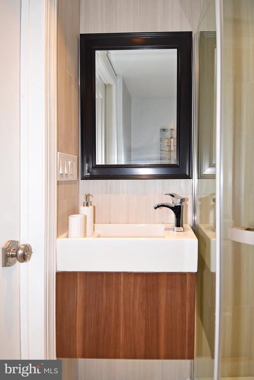 Lower Level Vanity - 602 H ST SW, WASHINGTON