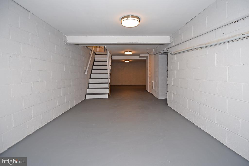 Rare 4th Level Basement - 602 H ST SW, WASHINGTON