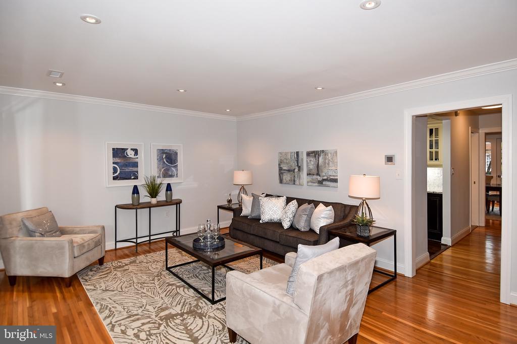 Living Room/Landing - 602 H ST SW, WASHINGTON